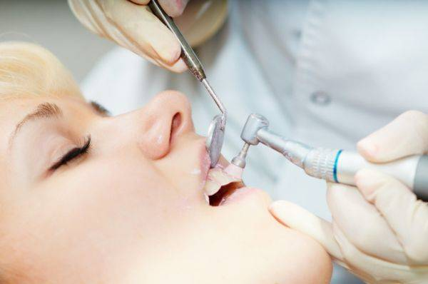 Процедура чистки зубов