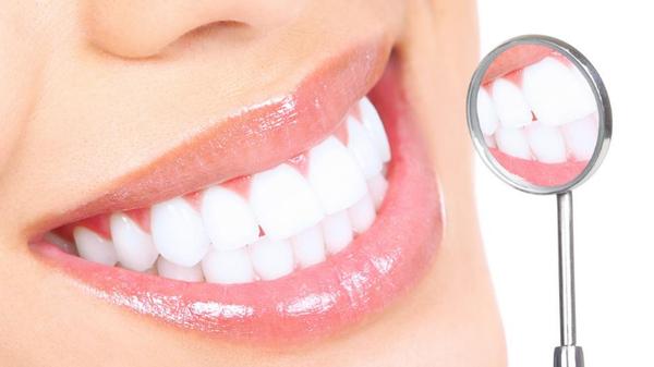 отбеленные зубы